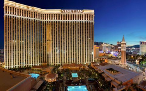 featured image luxury hotels