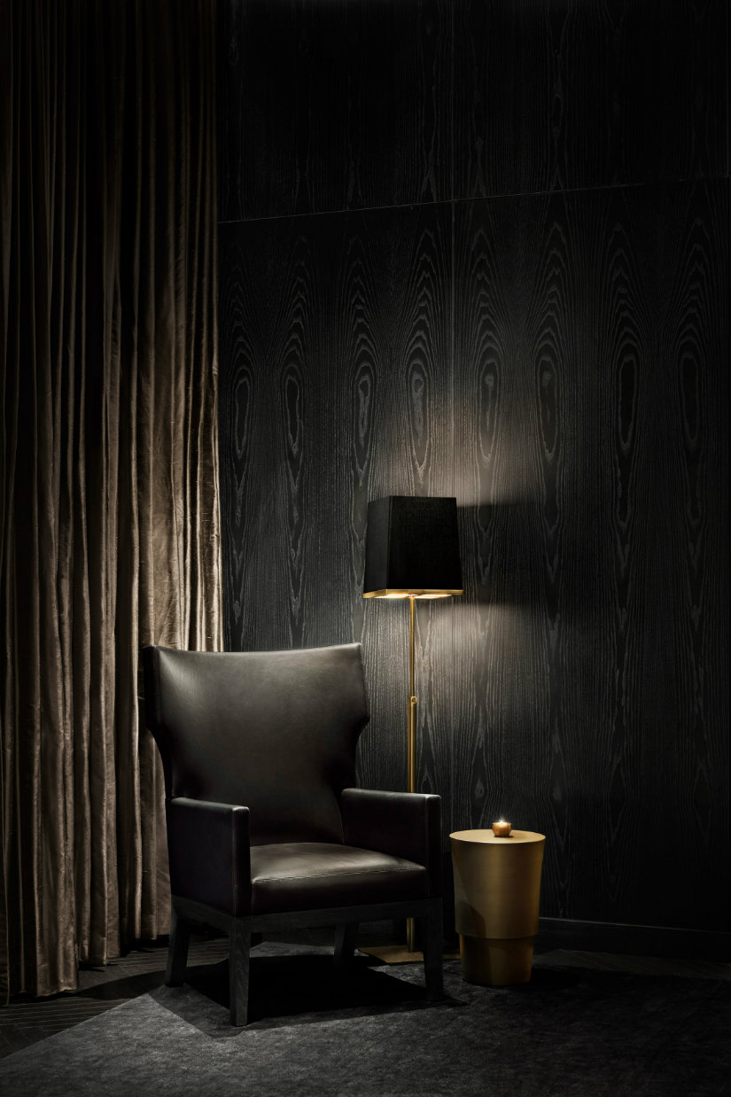 Yabu Pushelberg hotels - Black and gold decor furniture